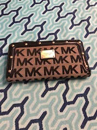 MK Long wallet authentic Laval, H7K 3N5