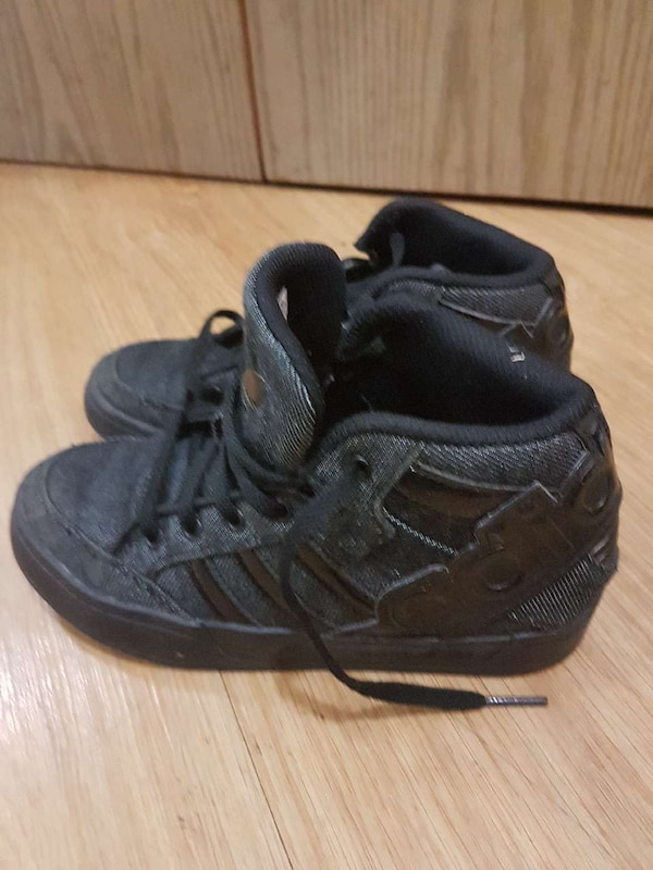 Adidas shoes size 1 like new
