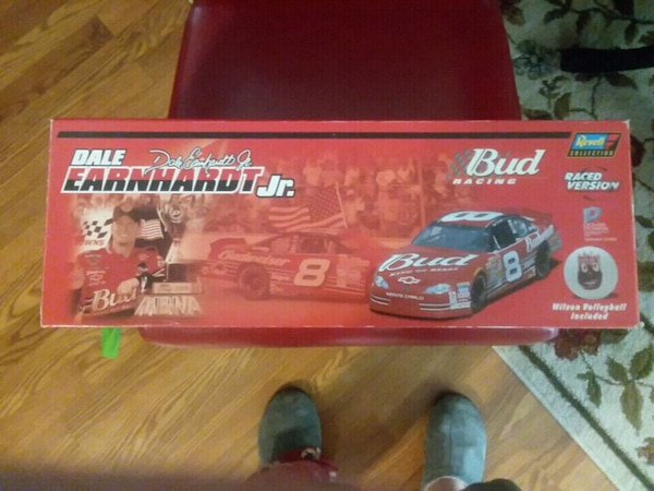 Dale Junior's race version win at Dover 2001