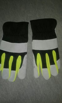 Pair brand new pair of leather gloves work gloves Rockwood, 37854