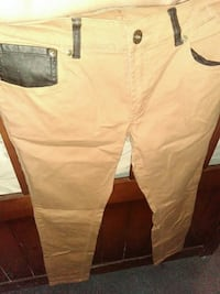 white and black cargo pants Los Angeles, 91342