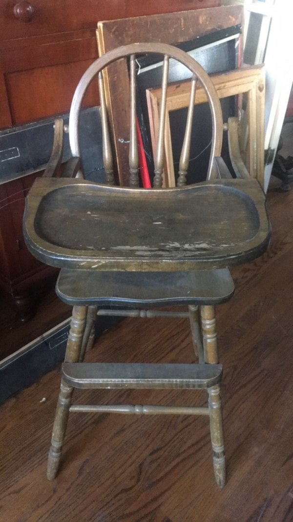 Old Antique Wooden High Chair In Good Condition
