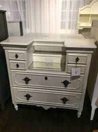 white wooden 3-drawer chest Brampton, L7A 1M5