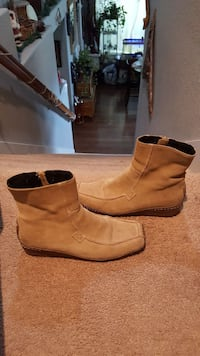 Bakers suede quarter boots