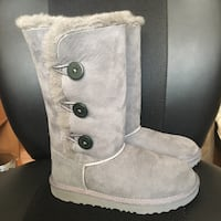 New ugg 3 button bailey boot girls size 3 Fremont, 94538