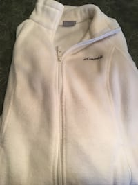 Women's size M Colombia fleece  441 mi