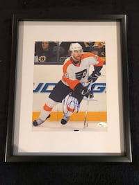 Philadelphia flyers Claude Giroux signed and framed photo