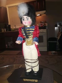 VINTAGE RARE 25 INCHES TALL DRUMMER BOY PLUG IN