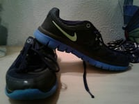 Nike black and Blue Youth Sneakers excellent condition Mesquite, 75149