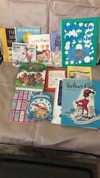 assorted color book lot in box Vienna, 44473