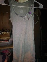 women's gray tank top