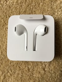 Apple iPhone ear buds Brand New Bethesda, 20814