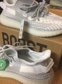 Yeezy grey/white Bridgeport, 06604