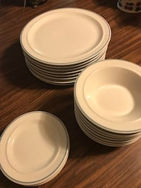 Dish set ( pick up only ) reduced