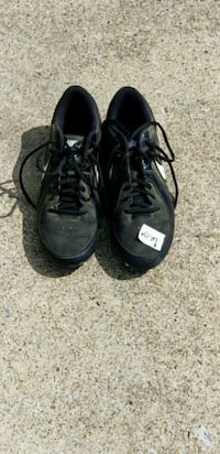 pair of black Nike low-top sneakers Ashland City, 37015