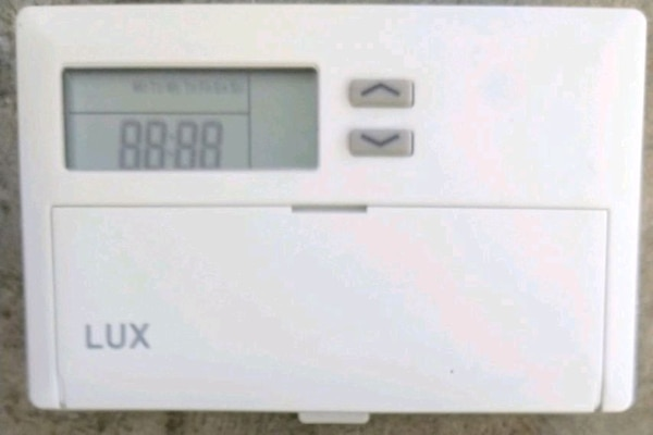 Lux TX500E 5-2-Day Conventional Programmable Therm 7fdf6e0b-a7ed-4644-88a0-d3b505f3aaf3