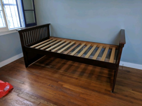 Wooden twin daybed 8e821419-3555-4f1e-8662-4d5af63d3410