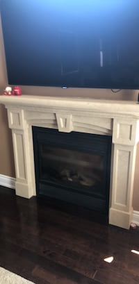 Gas Fireplace and mantle  Vaughan, L4L 1A7