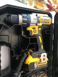 Dewalt hammer drill  South Houston, 77587