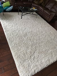 Area Rug white 8'x 11' New Westminster, V3L 2V2