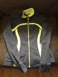 Lulu lemon jacket (med) London, N6E 2N1