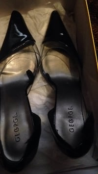 Pair of black leather flats Calgary, T1Y 3A9