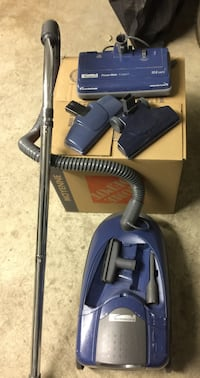 Kenmore Bagged Canister Crossover Vacuum Cleaner with tools & attachments  Good for both Carpet & Bare Floors   In Excellent Working Condition   Offered for only $99 Toronto, M5P 2V5