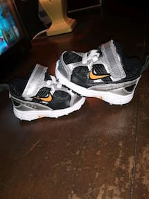 Size 2.5 INFANT NIKES BRAND NEW