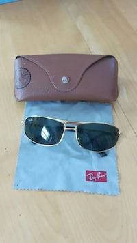 Ray Bans Sun Glases 1306 km