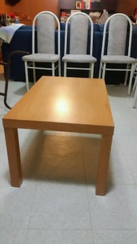 Coffe table yellow asking $10