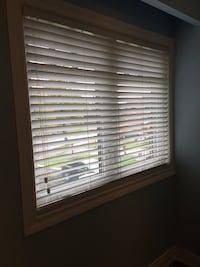 Faux wood blind **2 sizes available - see ad**