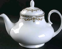 Royal Doulton Repton Covered Teapot with Lid  Vaughan, L4J 7T5