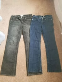 2 pair women's 8R like new jeans