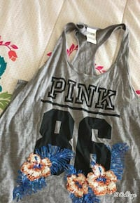 Vs pink bundle of tee shirts and one long sleeve