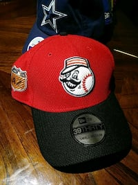 red and black Chicago Bulls fitted cap
