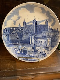 Tower of London diner plate by Johnson Brothers Wilmot, N3A