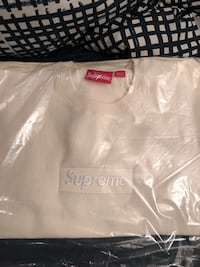 Supreme box logo crewneck Whitchurch-Stouffville, L4A 2K9