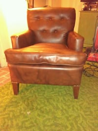 Mid century leather chair Sacramento, 95821