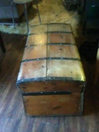 Wooden chest Houston, 77092
