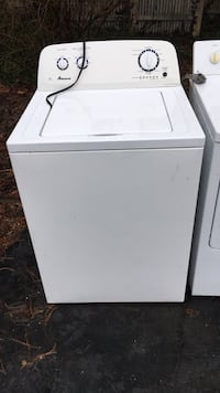 white top load clothes washer
