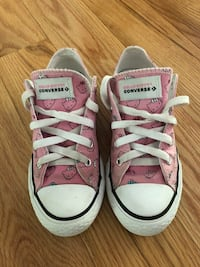 Hello Kitty Converse Youth Size 1 Arnold, 21012
