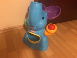 Playskool top fırlatan fil
