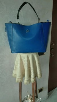 Tote bag in pelle blu e bianca