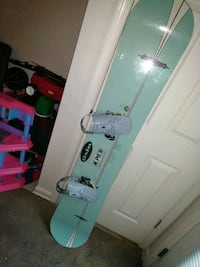 white and green snowboard with bindings Frederick, 21703