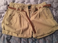 two brown and gray shorts 多伦多, M2N 7K2