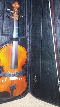 brown violin with bow and black case Las Vegas, 89121