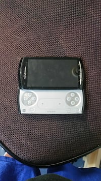 Sony Ericsson phone with built in controller