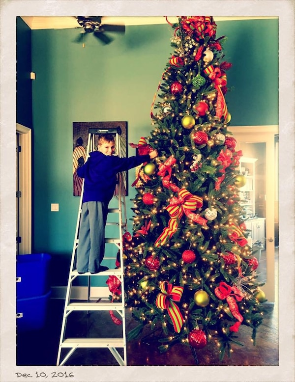 12 Foot Christmas Tree.12 Foot Pre Lit Christmas Tree With Decorations