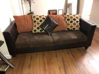 Luxurious Loveseat Ashburn, 20147