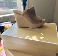 New Michael Kors Mule- New in box 2387 mi